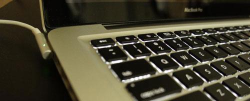 Macbook Proのバッテリーが充電されない症状の改善 アイティーアシスト